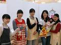 10月5日の担当は、山口さん(学)、鑓水さん(学)、今野さん、山口さんです(左より)