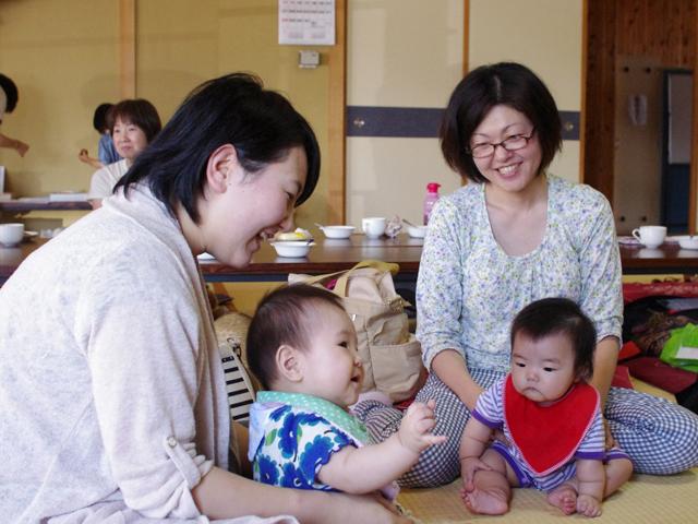 お母さん、赤ちゃんとってものびのびして良い笑顔でした!